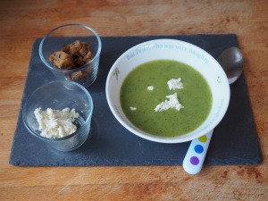 Soup of courgette and chicory