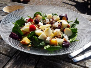 Salade with beetroot and sweet potato
